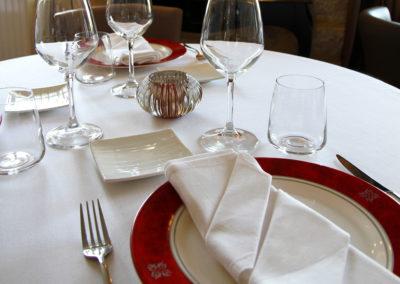 La présentation du restaurant et des plats de l'Auberge du Rohan à meucon