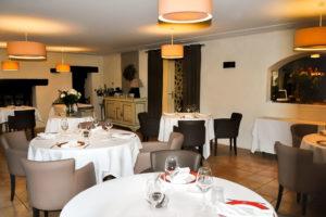 La salle du restaurant route de Vannes à Meucon